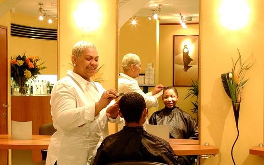 Salon de coiffure afro chatelet les halles for Salon de the chatelet